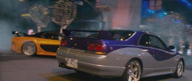 File:Nissan Skyline GTR R33-01.jpg
