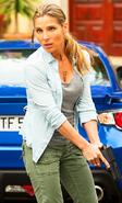 Elena Neves Profile