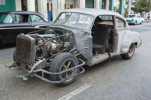 File:1950 Chevy Fleetline (F8 Cuba BTS).jpg