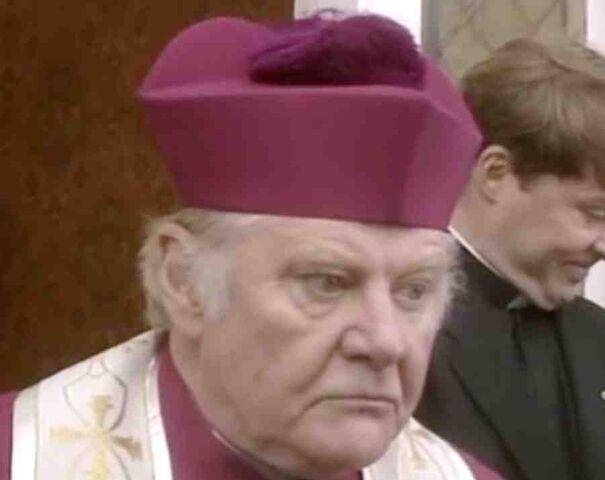 File:Bishop Facks.jpg