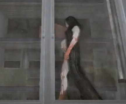 Archivo:Alma in dress.jpg