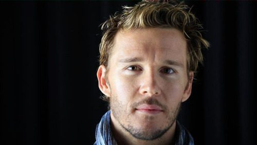 File:Eye-candy-ryan-kwanten-21.jpg