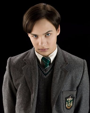 File:Frank-Dillane-Fear-Walking-Dead-Harry-Potter.jpg