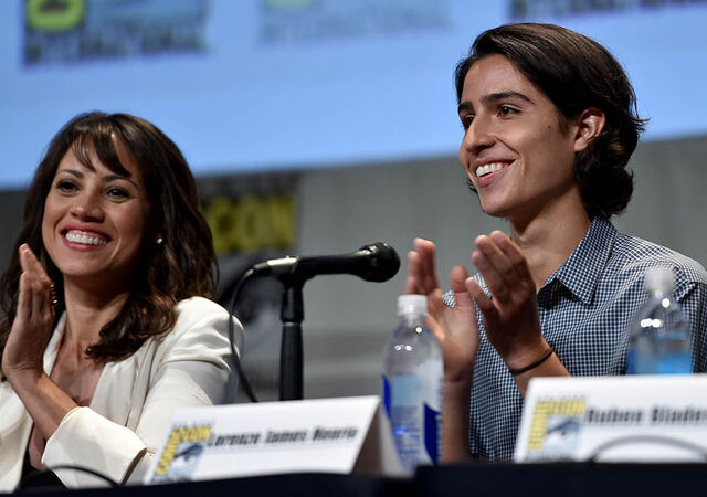File:Elizabeth and Lorenzo SDCC2015.jpg