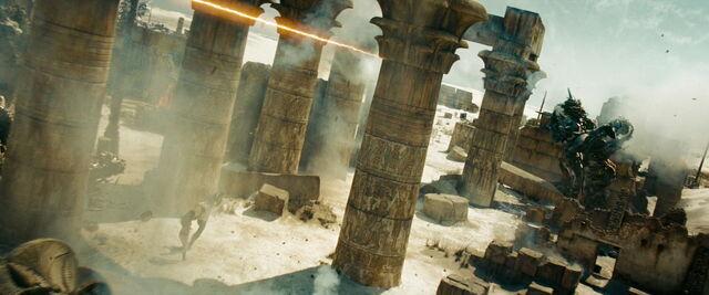 File:Transformers-revenge-movie-screencaps.com-15135.jpg