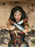 Wonder-Woman-Gal-Gadot-3