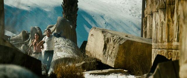 File:Transformers-revenge-movie-screencaps.com-15174.jpg