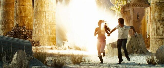 File:Transformers-revenge-movie-screencaps.com-15215.jpg