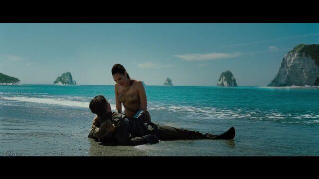 File:Wonder Woman - Comic-Con Trailer - Official Warner Bros UK 026.jpg