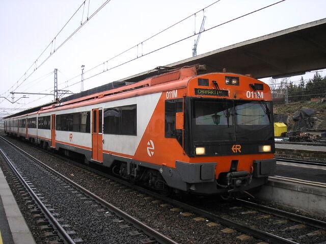 Archivo:Tren renfe serie 470-011.jpg