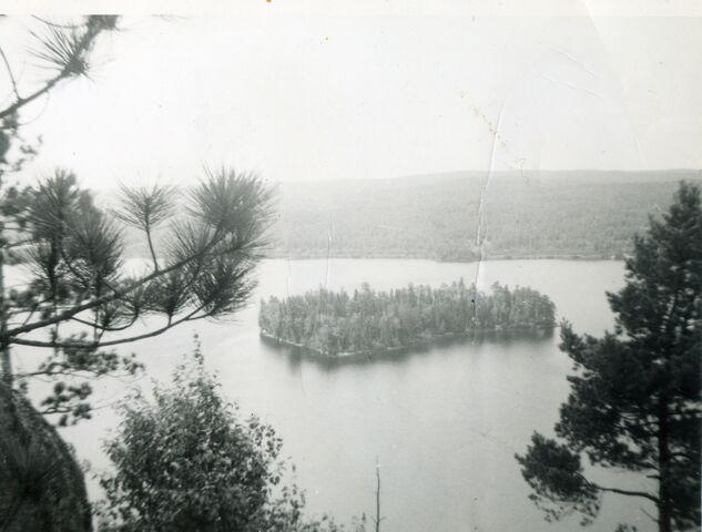 Archivo:Whitefish Lake Island 1967.jpg