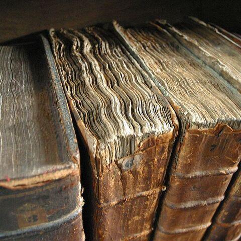 Bestand:Oud boek.jpg