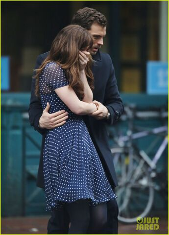 File:Fifty-shades-darker-set-photo-41.jpg
