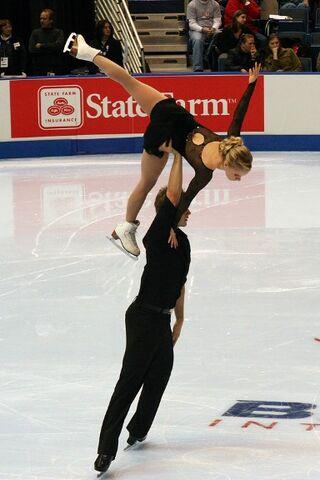 File:Anabelle Langlois & Cody Hay Lift - 2006 Skate America.jpg