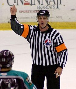 Referee hockey ahl 2004