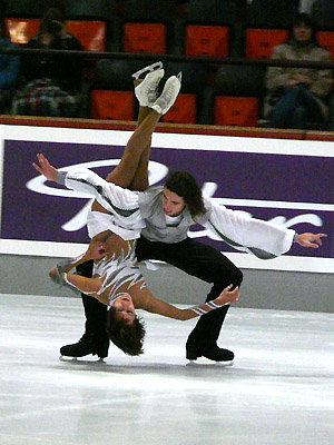 File:Alla Beknazarova & Vladimir Zuev 2007 Nebelhorn Trophy.jpg