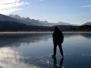 Ice skating Presseggersee