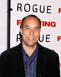 Roger-guenveur-smith-fighting-new-york-GNVzt0
