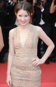 Emily-browning-2011-cannes