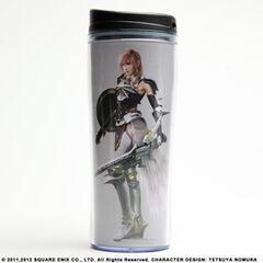 Стакан-термос для кофе с изображением Лайтнинг из <i>Final Fantasy XIII-2</i>.