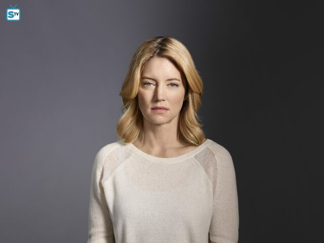 File:Cynthia Watros as Elizabeth.jpg