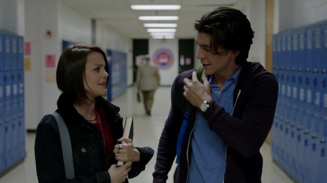 File:1x02 18 Carter, Gabe.jpg