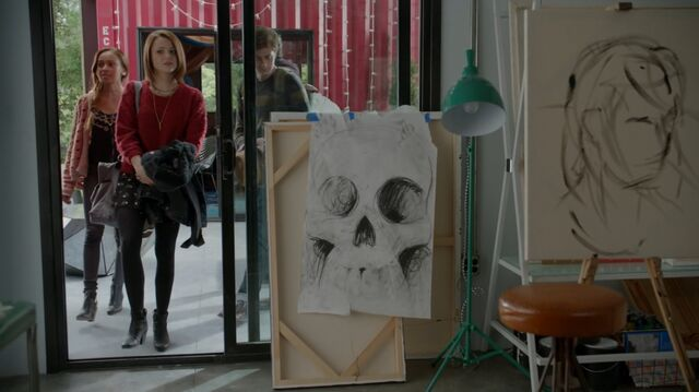 File:1x02 30 Bird, Carter, Ofe, Gabe, sanctuary.jpg