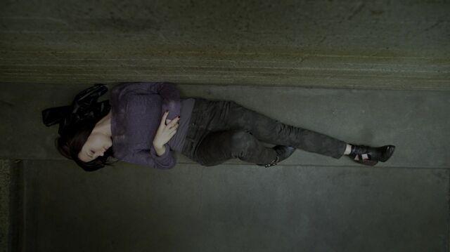 File:1x01 08 Carter.jpg
