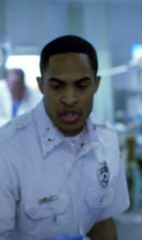 File:1x01 Paramedic 1.jpg