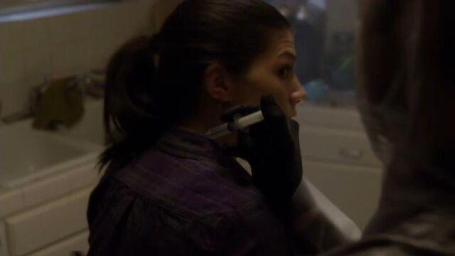 File:1x13 Tracy Taken.jpg
