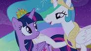 Princess Celestia starts singing S4E25