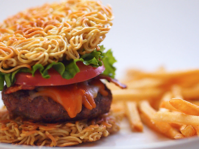 File:Ramen-burger.png