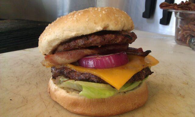 File:Ribwhipburger.jpeg