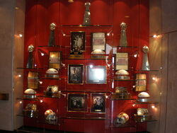 SF 49ers HQ tophy wall