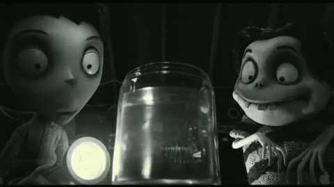 Frankenweenie - Clip Invisible Goldfish Tim Burton (2012)