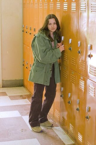 File:Lindsay-Weir-imdb-17.jpg