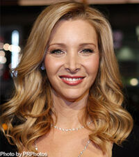 Lisa-kudrow-oval-hairstyle