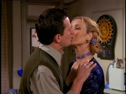 File:5x14 Awkward kiss.jpg