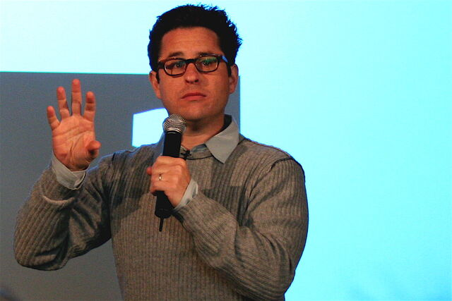 Файл:J.J. Abrams speak at the Apple Store SoHo.jpg
