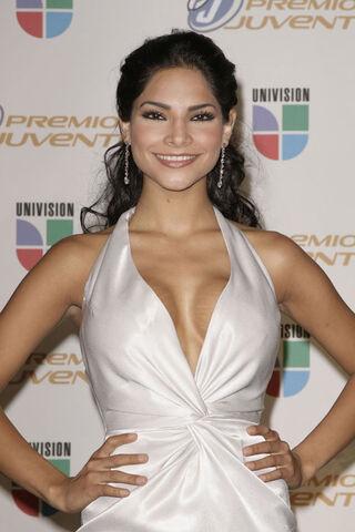 File:Alejandra Espinoza.jpg
