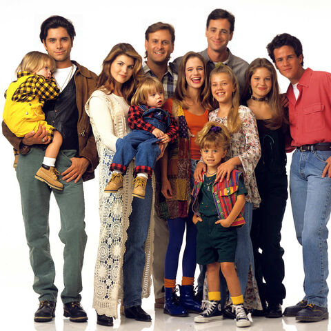 File:02-full-house-reunion-netflix w529 h529 2x.jpg