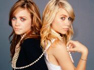 Mary-Kate and Ashley😊