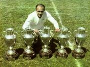 Alfredo Di stéfano 5 Copas.jpg