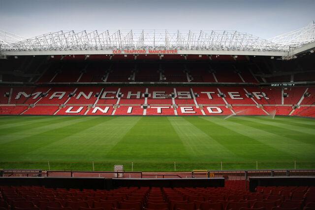 Archivo:Old Trafford inside 20060726 1.jpg