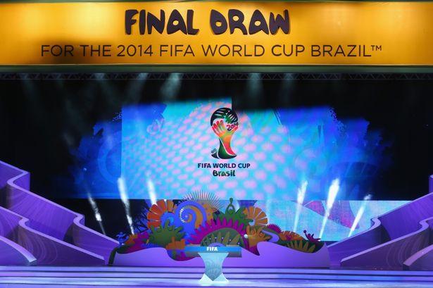 Arquivo:Previews-Final-Draw-2014-FIFA-World-Cup-2876972.jpg