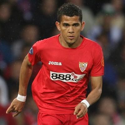 Arquivo:Daniel Alves no Sevilla.jpg
