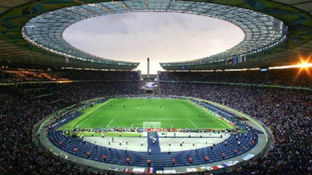 Arquivo:Estádio Olímpico em Berlim na Alemanha.png