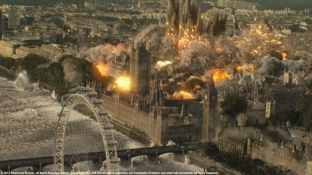 File:London first bombing.jpg