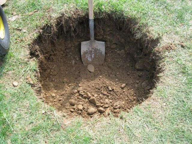 File:Hole-in-the-ground.jpg