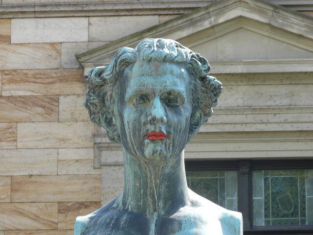 File:Ludwig II - Haus Wahnfried - Bayreuth.JPG